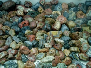 You would think Fairburn Agates were common looking at this display!